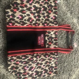 Victoria's Secret Bag(New with tag)